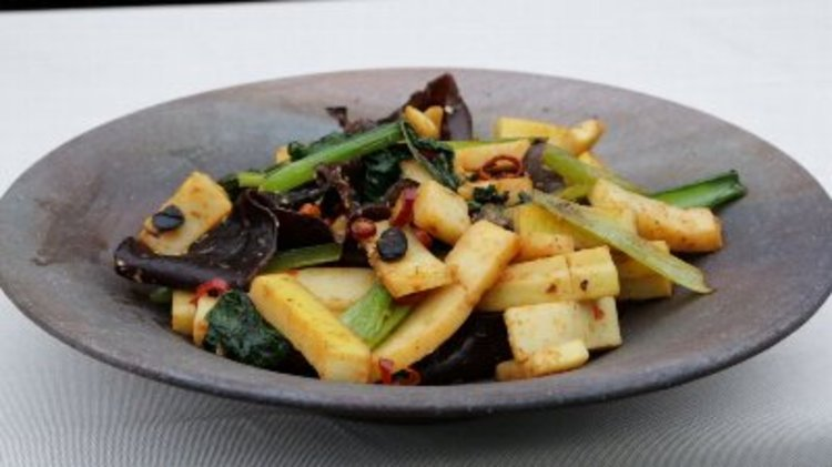 タケノコと春野菜の麻辣炒め
