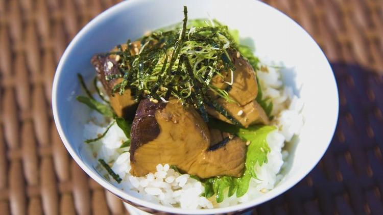 カツオの角煮丼
