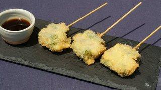 甘唐辛子と豚バラの串カツ