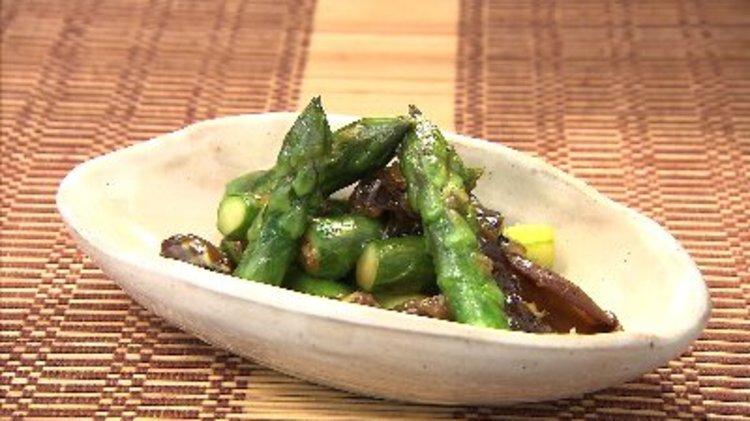 アスパラガスとキクラゲの煮込み