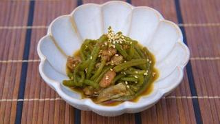 イモの茎と山椒の佃煮