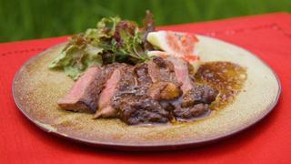 牛肉のタリアータ イチジクとバルサミコのソース