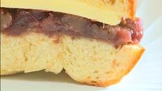 手作りあんこと国産小麦を使ったベーグルの相性がバツグン!  あんバターサンドが登場